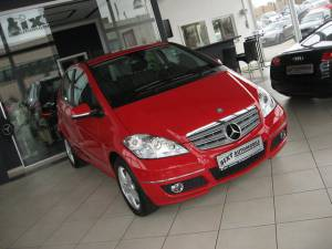 Mercedes-Benz: A 200 AVANTGARDE Automatik, Xenon,1.Hand