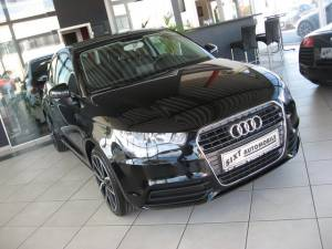 MIT KLICK: alle Bilder Audi: A1 1,4 TFSI 17 zoll, MFL, Klima