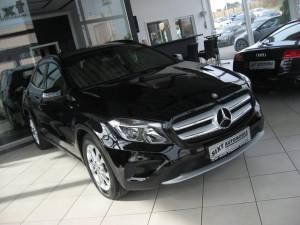 MIT KLICK: alle Bilder Mercedes-Benz: GLA 250 4MATIC Automatik Leder,Navi